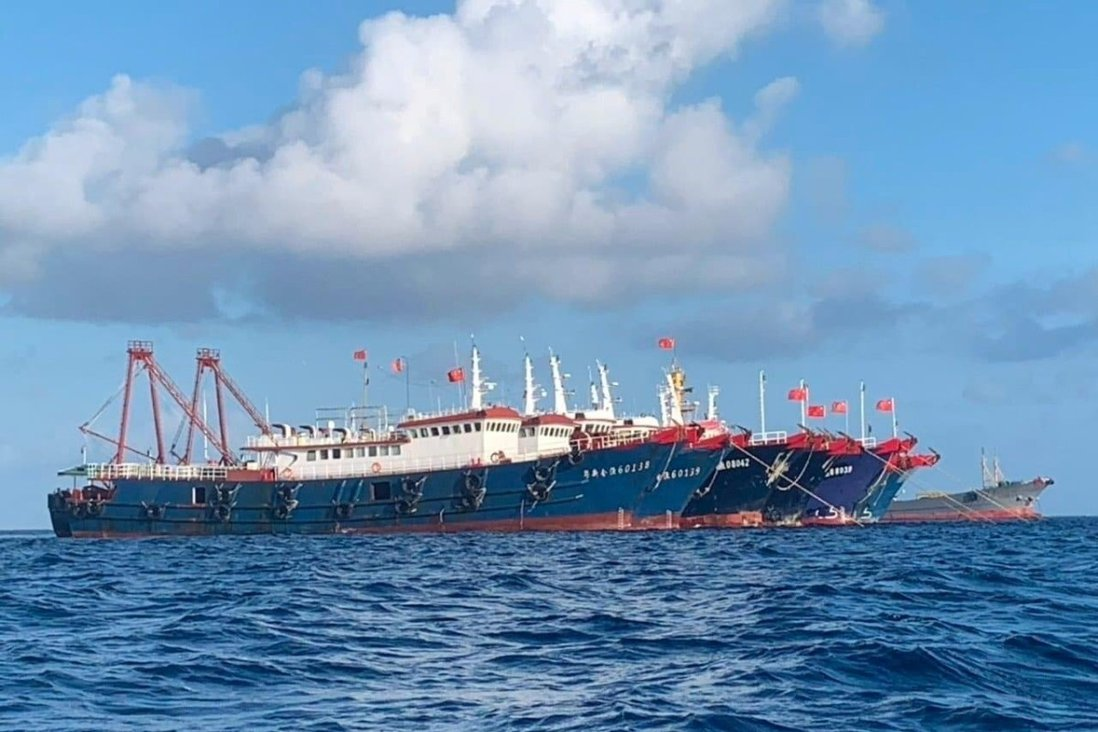 The Philippines has repeatedly asked the 200-plus Chinese vessels to leave Whitsun Reef. Photo: Reuters