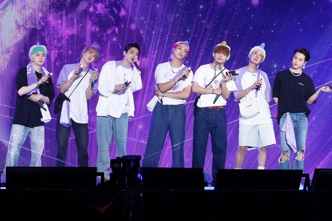 """BTS mengadakan konser online """"Sowoozoo"""" sebagai bagian dari perayaan delapan tahun pembuatan musik boy band Kpop  Foto Hybe"""