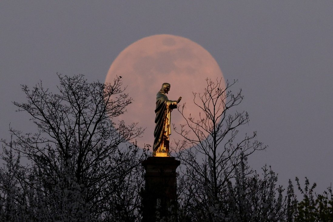 Boston to Have 'Stunning View' of April's Pink Supermoon At Its Fullest Monday Night