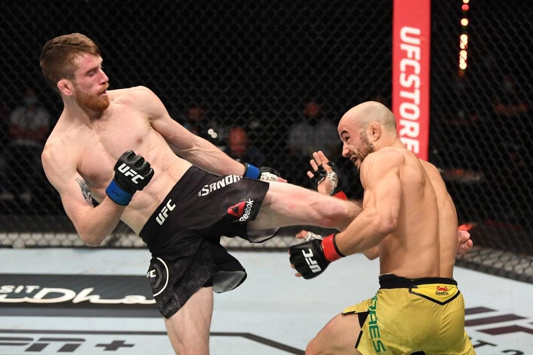 UFC: Cory Sandhagen gets spinning wheel kick TKO vs Marlon Moraes