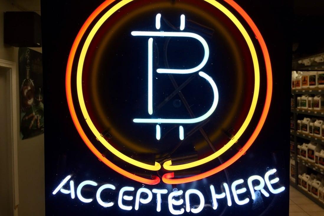 Bitcoinshop free binary options robot