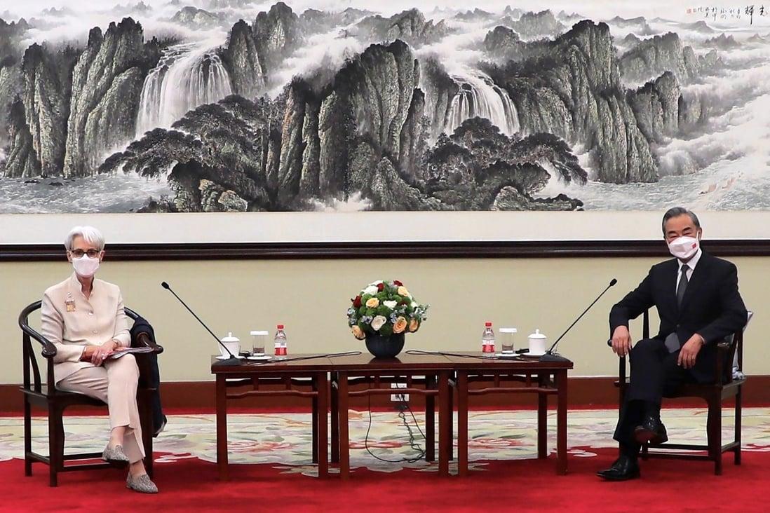 """Top-Diplomaten aus den USA und China führen """"offene und freimütige Diskussion"""""""