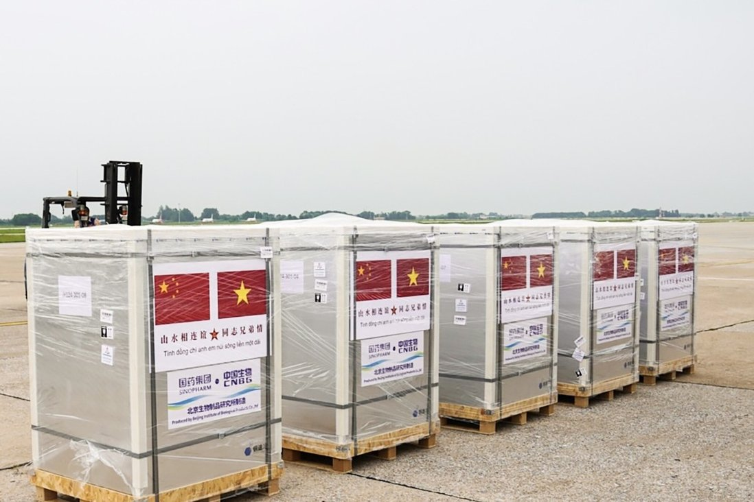 The Chinese military has delivered 200,000 doses of Covid-19 vaccines to Vietnam. Photo: Handout