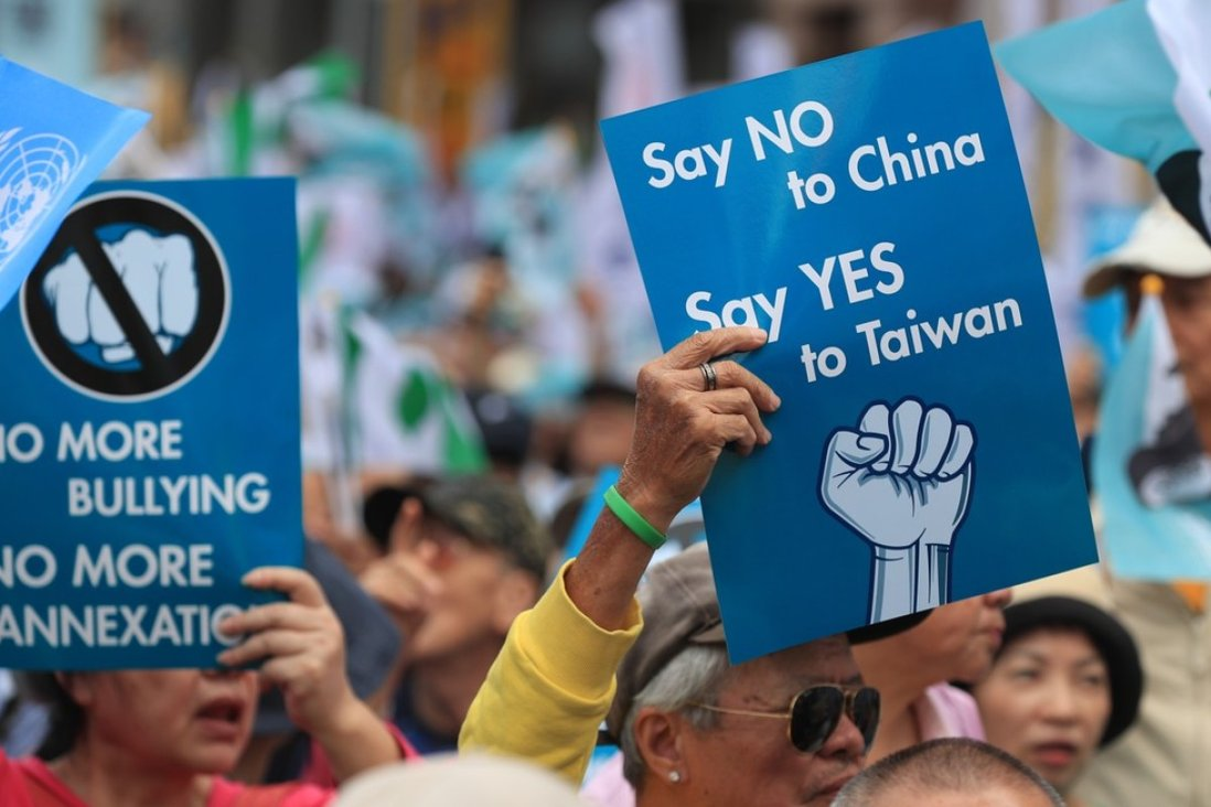 Thousands of Taiwan independence campaigners took part in a rally in Taipei on Saturday calling for a referendum on a split from mainland China. Photo: EPA-EFE