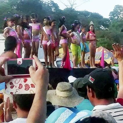 Peagant nudist Beauty Pageants